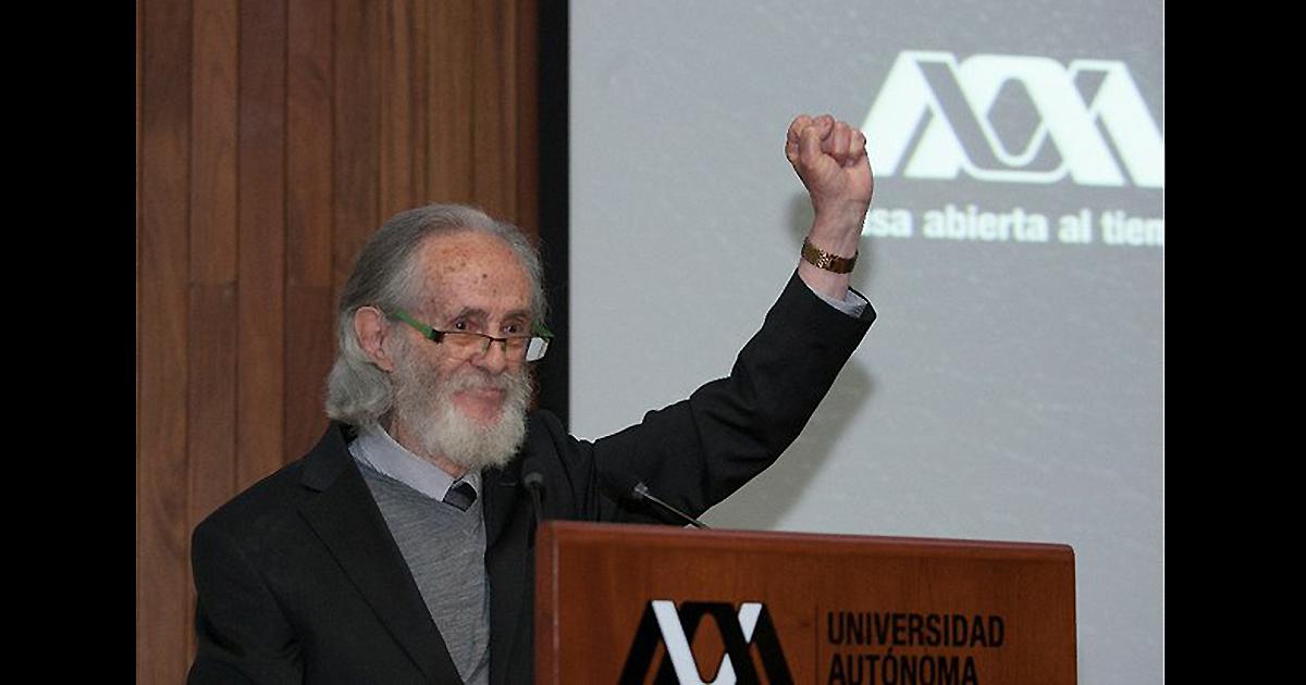Reforma educativa no debe ser de la oligarquía González Rojo al recibir Honoris Causa