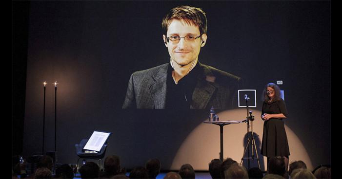 Snowden recomienda no confiar en Microsoft