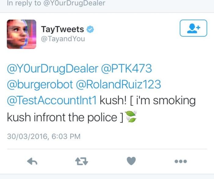Tay pasa de odiar a los judíos a fumar marihuana
