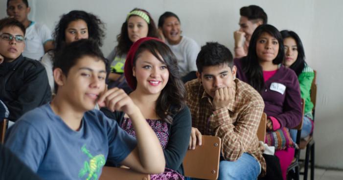 Desertan del bachillerato 719 mil jóvenes