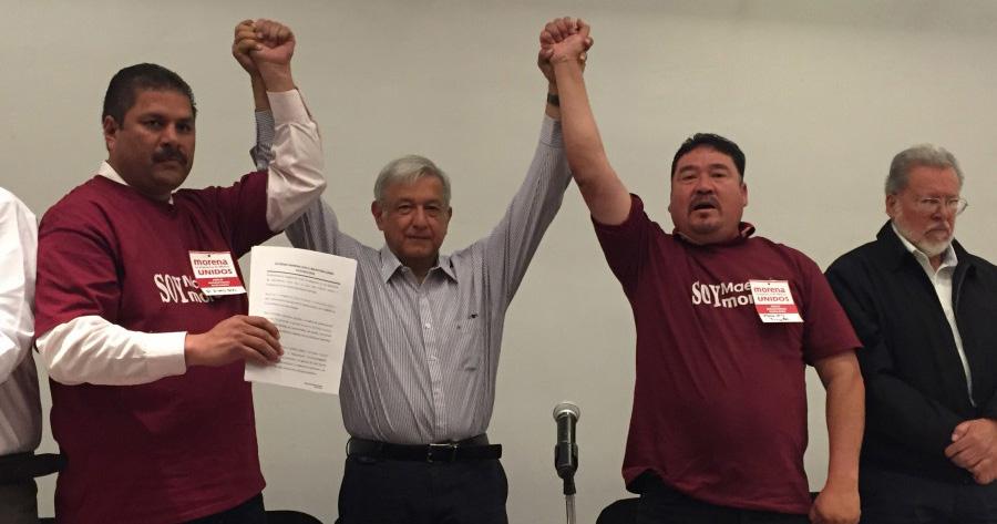 AMLO firma otro acuerdo por la educación con maestros de Durango, habrá otro en Zacatecas 3