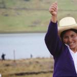 Empleados de minera golpean a campesina ganadora del Premio Goldman 2016