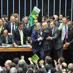 Diputados de Brasil aprueban destitución de Dilma Rousseff, faltan senadores