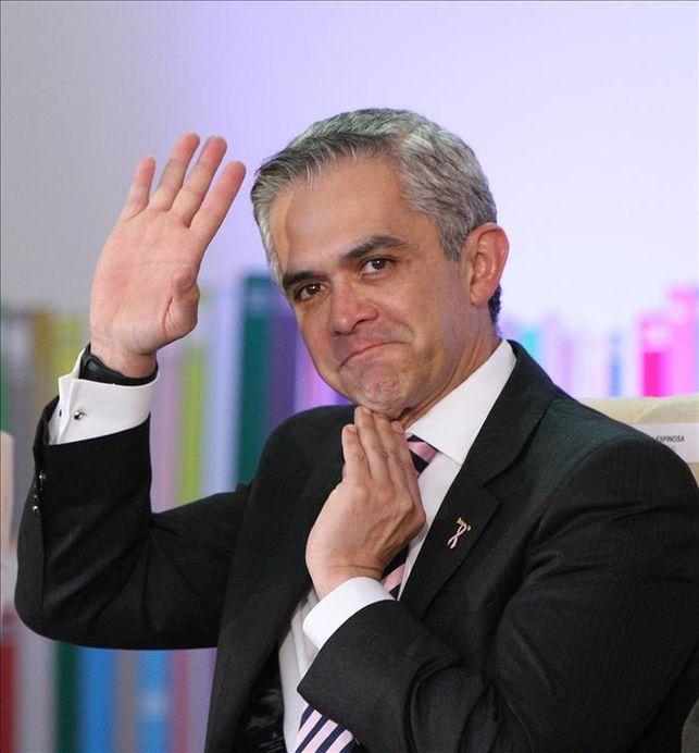 Pese a tragedia por sismos Mancera renunciará a su cargo e irá por la Presidencia