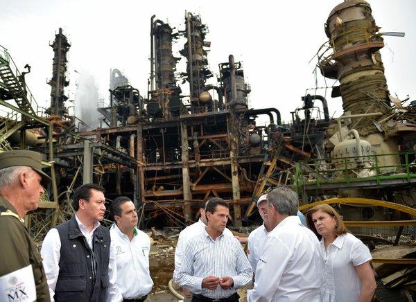 """Peña Nieto nos visitó """"para decir una sarta de tonterías"""": familiares de víctimas de Pajaritos"""