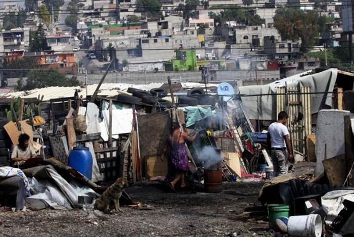 No hay mediciones del impacto de la entrega de dinero a los más pobres: Coneval