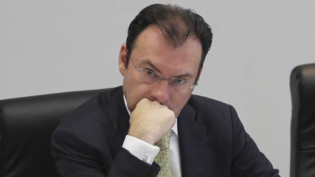 Hacienda anticipa recorte al gasto por caída de ingresos petroleros