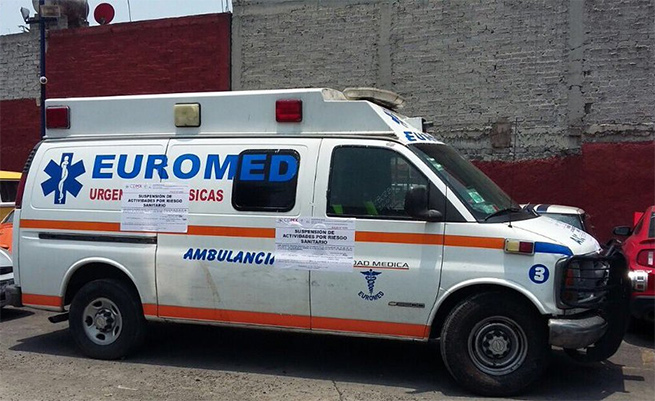 Retiran ambulancias 'patito'