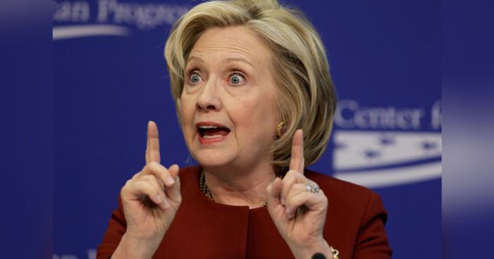 Informe oficial hace tambalear la campaña de Clinton