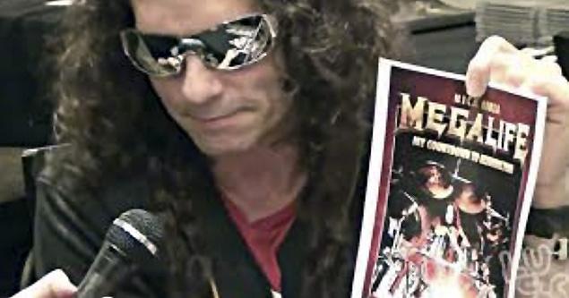 Megadeth, baterista Nick Menza muere en escenario