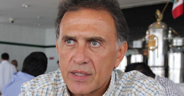 Congreso rechaza reestructurar deuda en Veracruz y Yunes monta en cólera