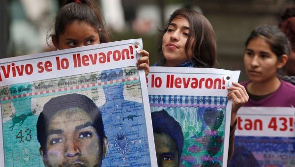 Salen a la luz 10 casos de tortura en investigación de Ayotzinapa