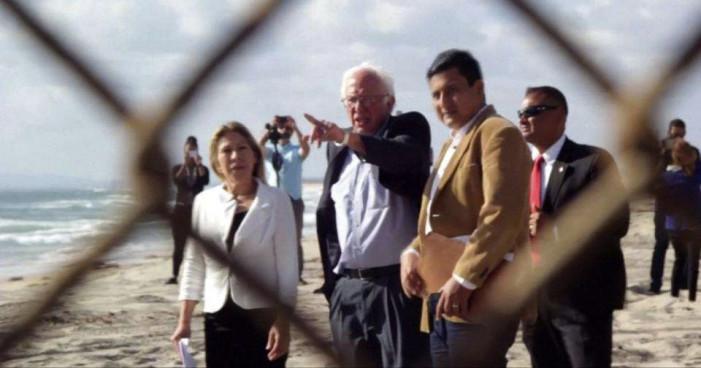 Bernie Sanders visita la frontera y se pronuncia por los derechos de los migrantes