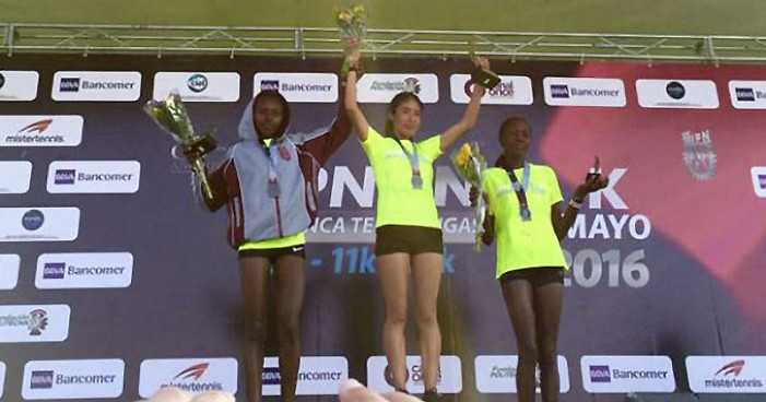 Joven mexicana gana primer lugar en maratón de los 80 años del IPN