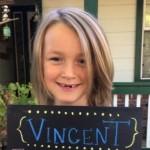 Niño que donó cabello a pacientes con cáncer, ahora lo padece