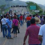 Ciudadanos establecen 9 bloqueos en Oaxaca