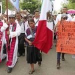 Maestros 'clausuran' edificios públicos en Chiapas y Guerrero