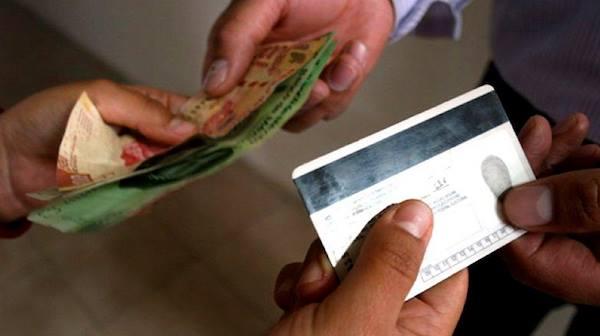 Acusan compra de credenciales de elector en el Edomex