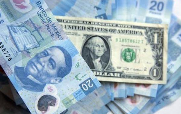 Dólar llega a 22 pesos a la venta en bancos