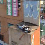 Muere electrocutado al intentar robar en escuela