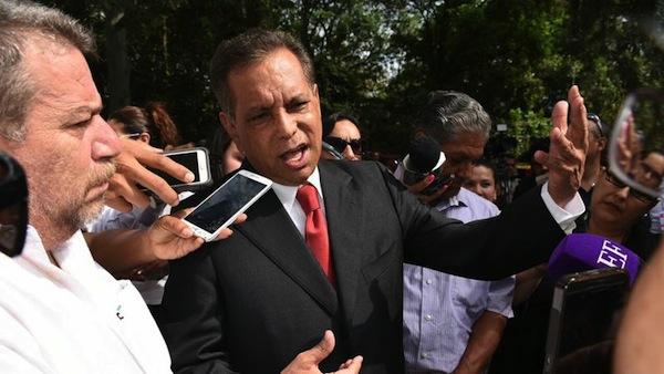 Llaman a declarar a Fidel Herrera por medicamentos clonados