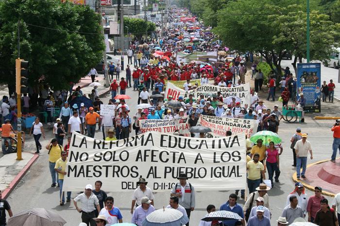 Dan última oportunidad a maestros de Oaxaca para evaluarse