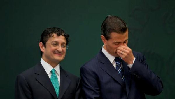 Primero exoneró a Peña Nieto y ahora, Virgilio Andrade entregará las tarjetas a damnificados