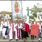 Miles de indígenas católicos de Chiapas marchan en apoyo a los maestros