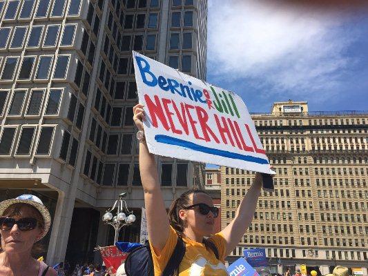 Manifestantes Bernie