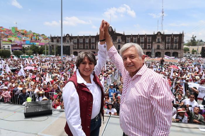 Morena presenta en acto masivo a Delfina Gómez para el Estado de México