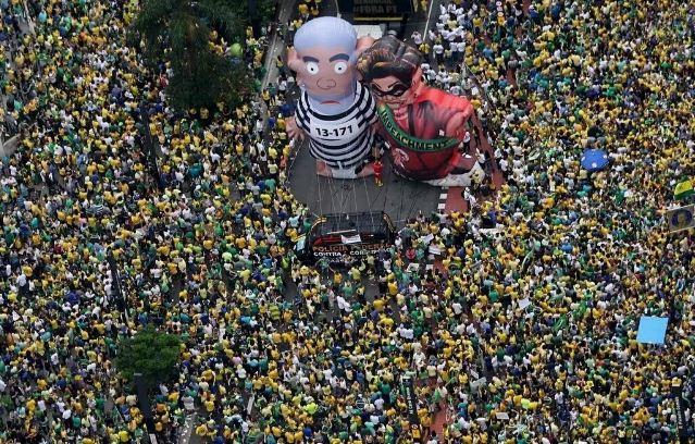 Manifestaciones masivas en Brasil a días de las olimpiadas