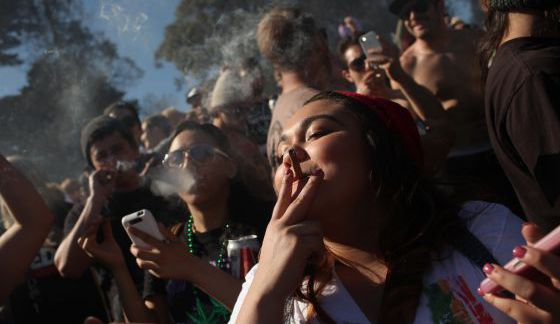 Aumenta más del 200% el consumo de drogas entre mujeres adolescentes