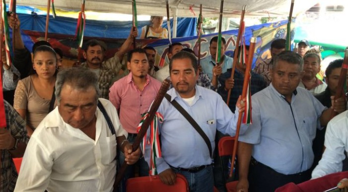Autoridades municipales se unen al plantón magisterial en Oaxaca