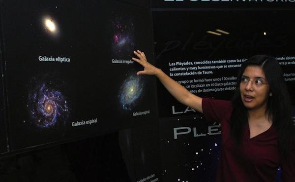 Astrónoma mexicana más joven gana beca de L'Oreal para estudiar galaxias