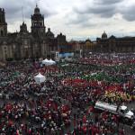 Miles de campesinos marchan y realizan mitin en el Zócalo