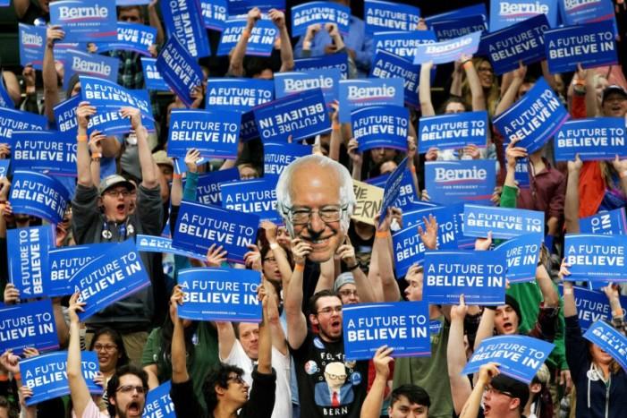 Todo el mundo ama a Bernie Sanders (excepto el Partido Demócrata)