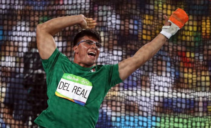Mexicano compitió en lanzamiento de martillo e hizo historia