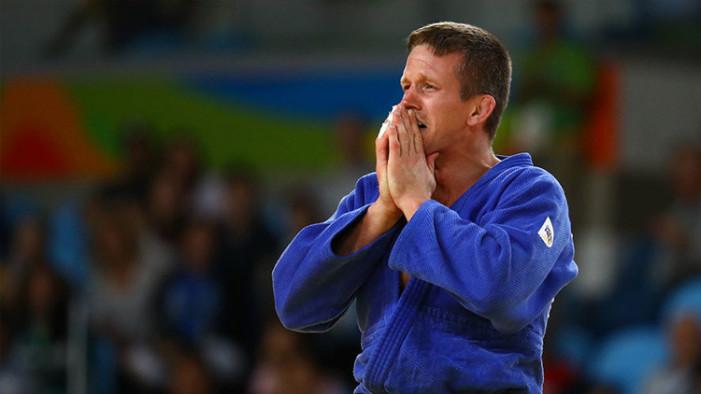 Roban y pegan a judoca belga luego de ganar la medalla en Río 2016