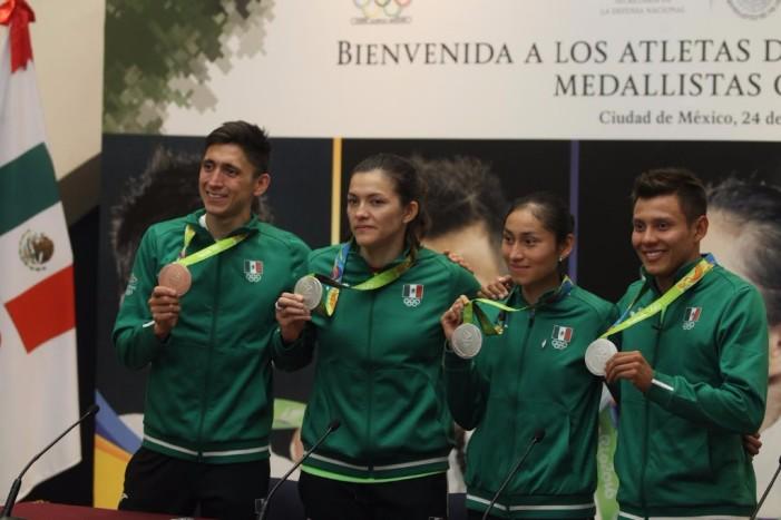 De regreso a la Ciudad de México los medallistas olímpicos