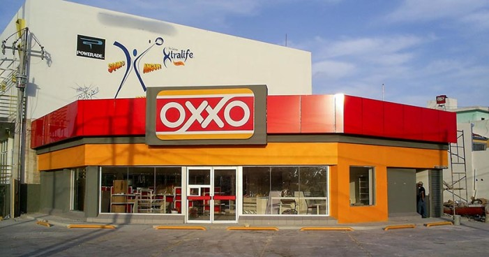 Asesinan a cajero de Oxxo en Tacubaya