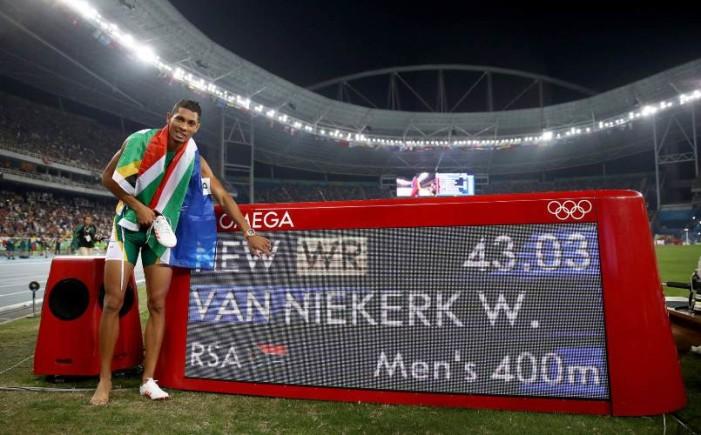 Sudafricano bate récord luego de 17 años en los 400 metros planos