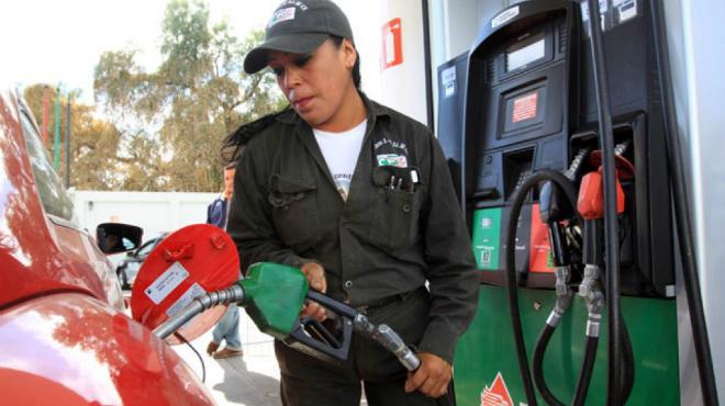 Prevén aumento en gasolinas para el próximo año