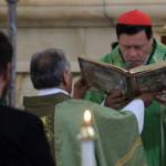Iglesia critica que EPN se muestre 'cobarde y sumiso' frente a Trump