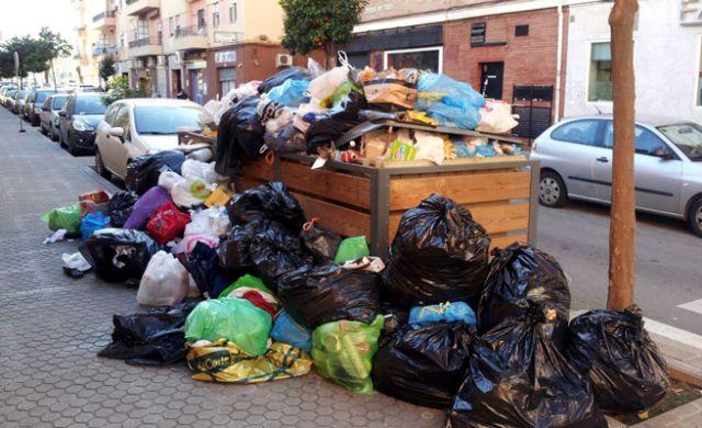 Trabajadores de limpia toleran que capitalinos no separen basura de acuerdo a la nueva norma