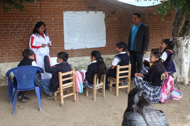 Escuelas cierran en Acapulco por falta de maestros