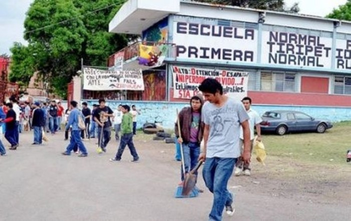 Liberados 18 de los 49 normalistas detenidos en Michoacán