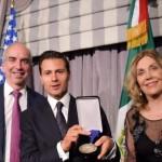 Peña Nieto premiado en Estados Unidos por sus medidas 'responsables'