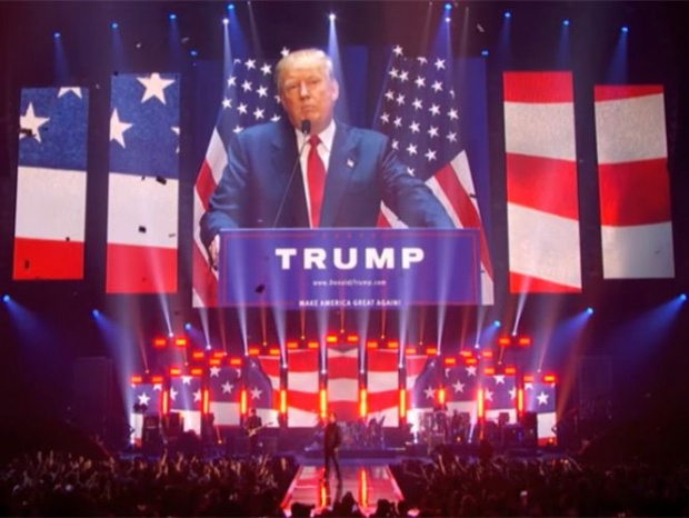 U2 se lanza en concierto contra Donald Trump (video)