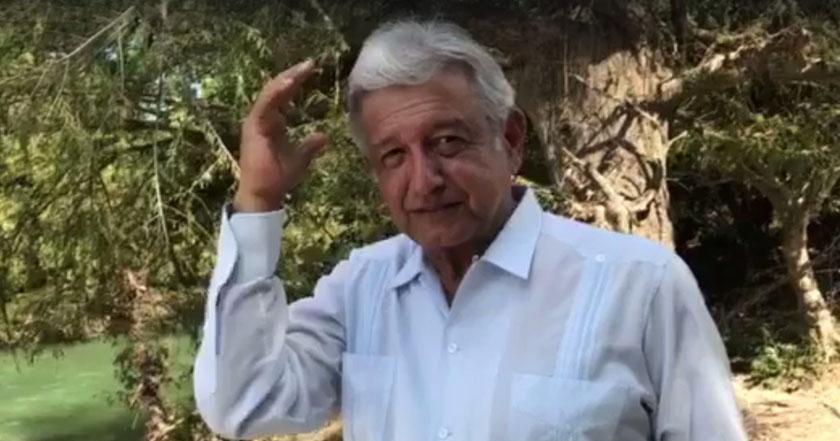 Andrés Manuel López Obrador amlo peña debe bajarse el sueldo
