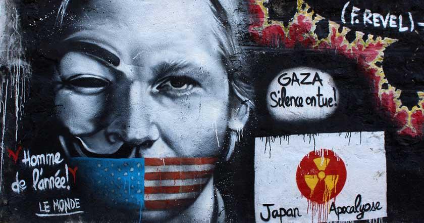 Anonymus ataca a Ecuador por cortar acceso a Internet a Assange